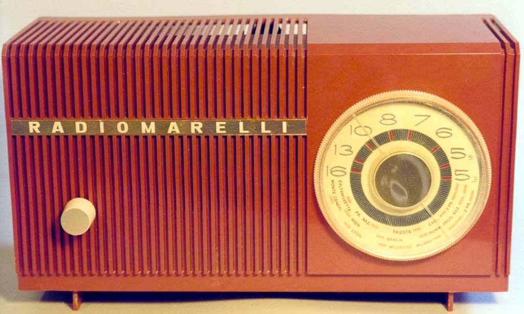 Radiomarelli_RD229_rossa_frontale-f